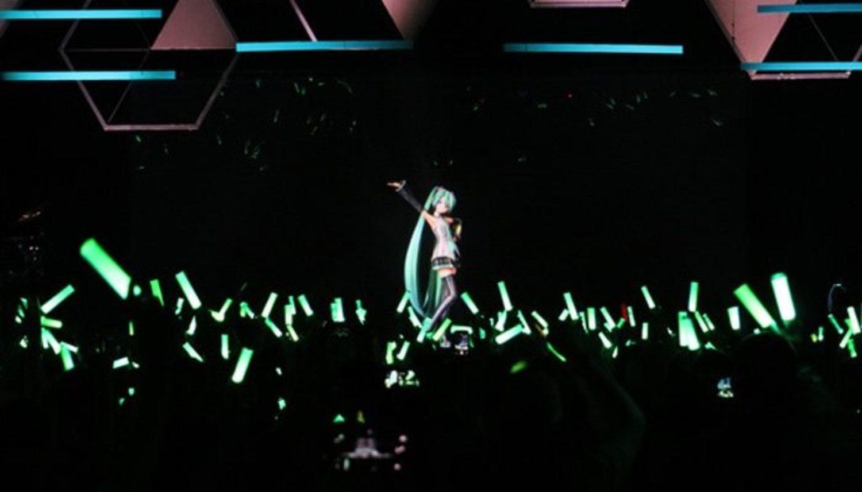 La artista virtual acoge a miles de fans en conciertos que da por todo el mundo.