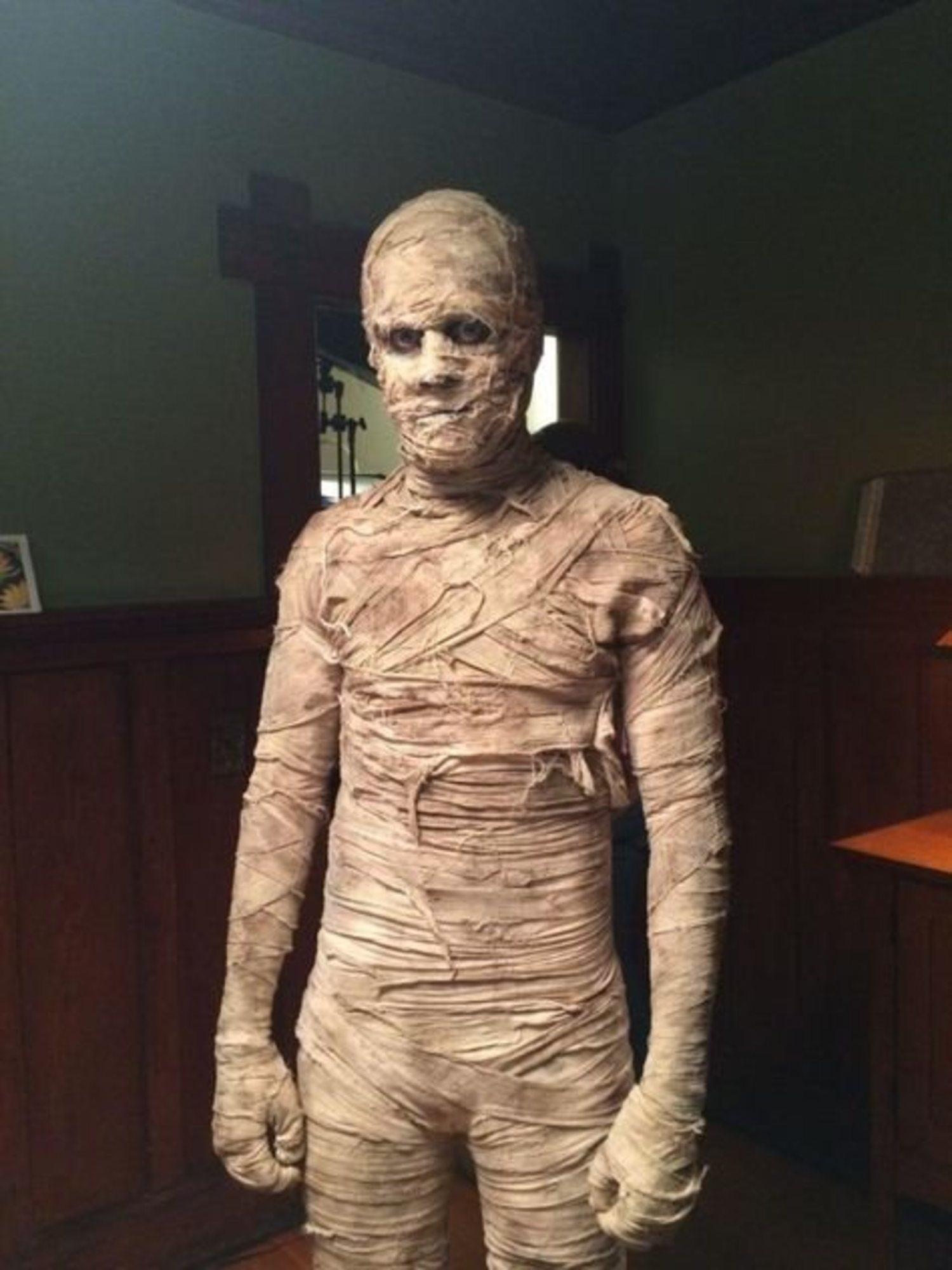 Disfraz casero de momia.