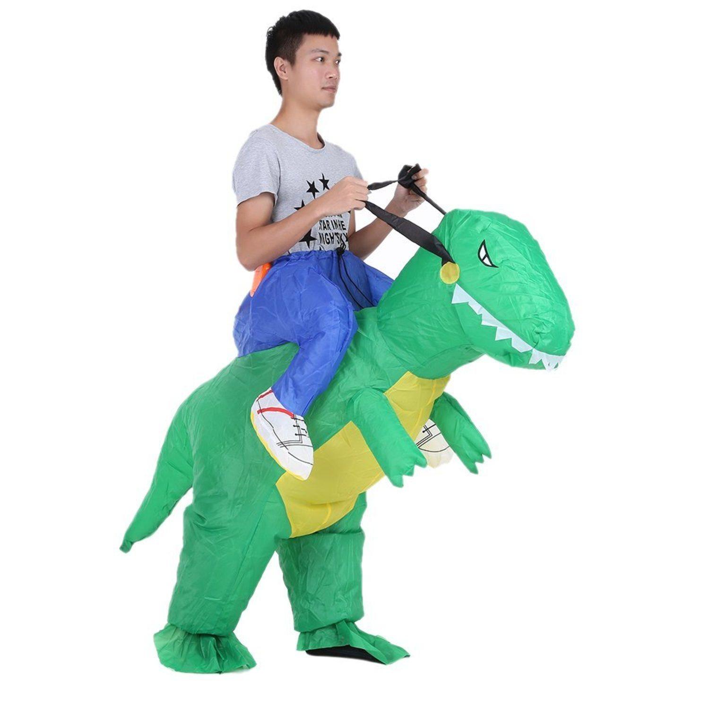 ¿Te atreverías a subirte encima de un dinosaurio?