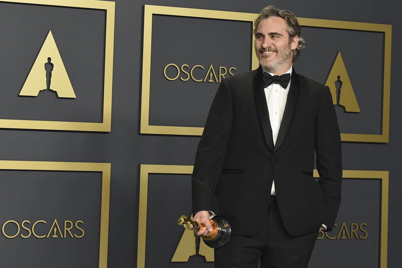Joaquin Phoenix tras recibir el Oscar al mejor actor.