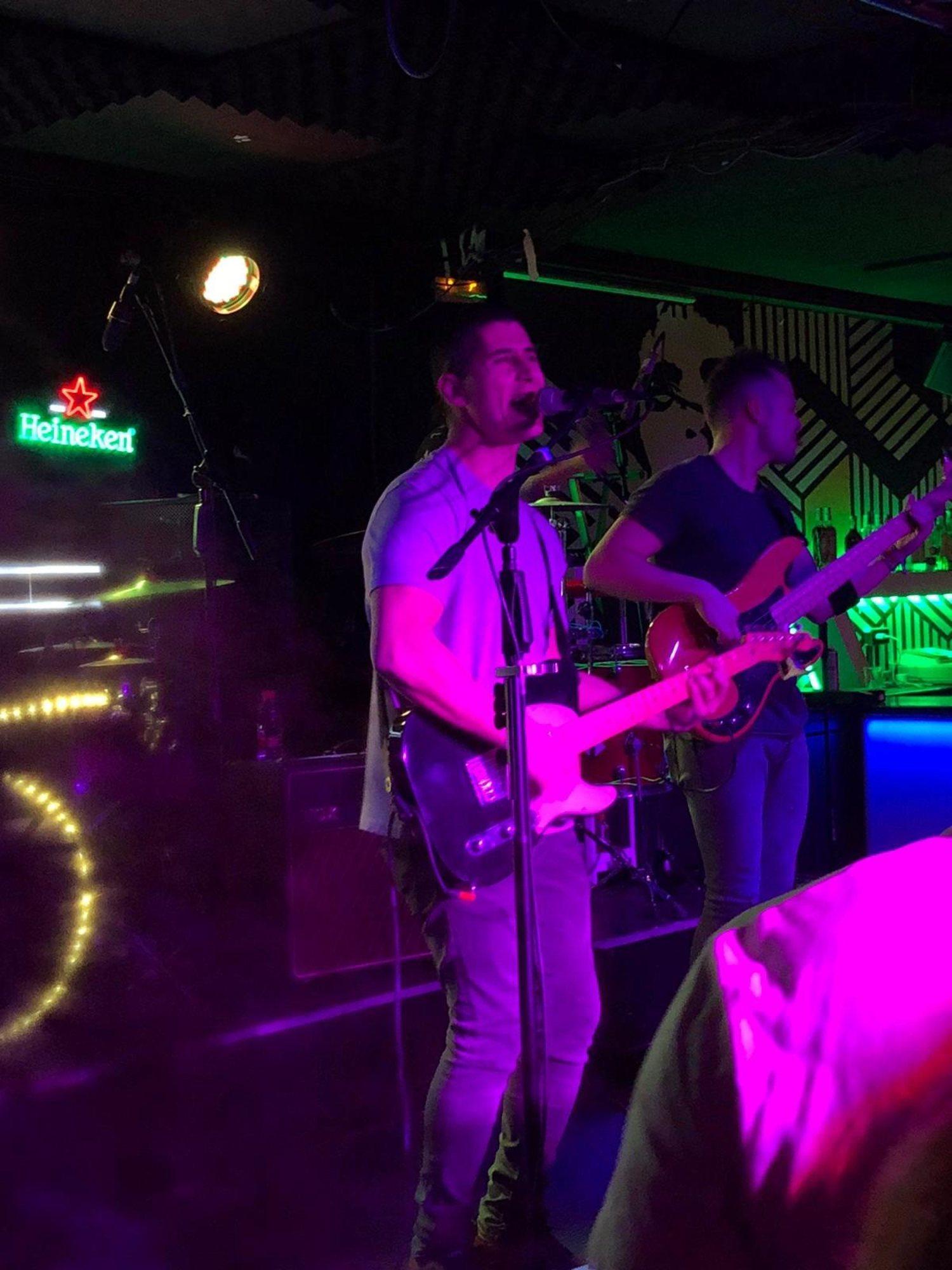 Rubén, durante el concierto en la Sala Wah Wah
