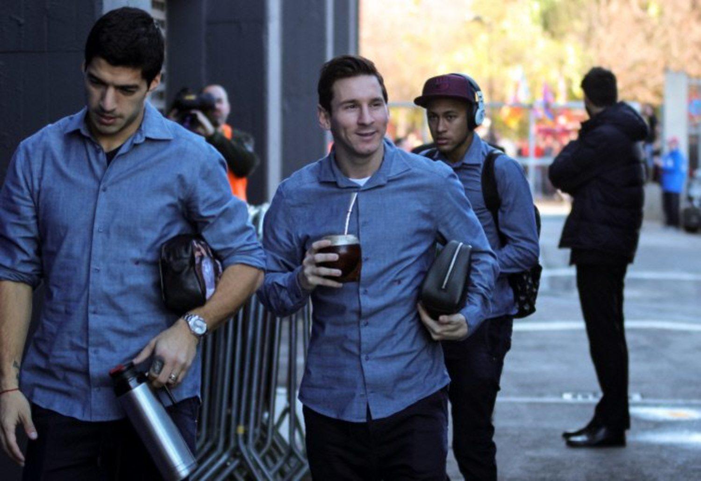 Messi, un argentino, y Luis Suárez, un uruguayo, compartiendo un mate