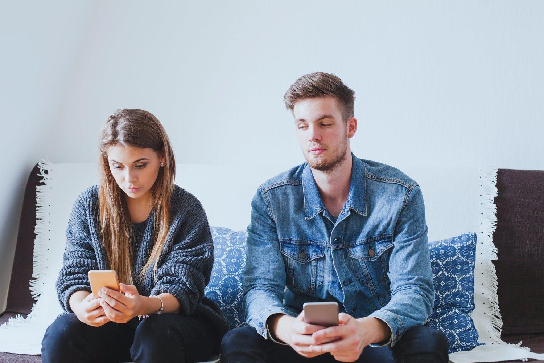 La falta de confianza con tu pareja puede terminar rompiendo la relación.
