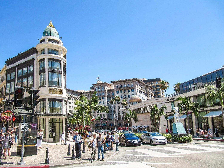 El lujo de Rodeo Drive contrasta con la miseria de otras zonas de Los Angeles