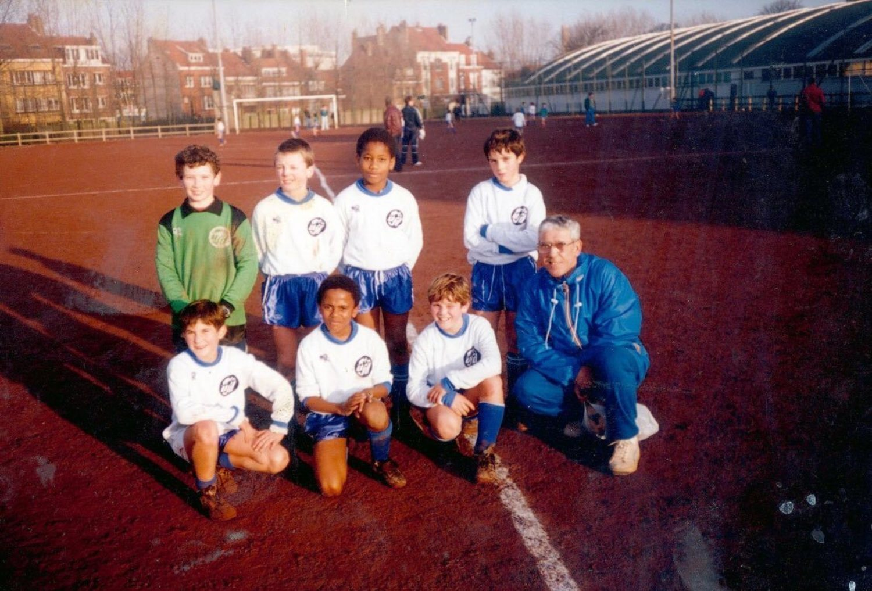 Drogba en su primer equipo en Francia, cuando era tan solo un niño.