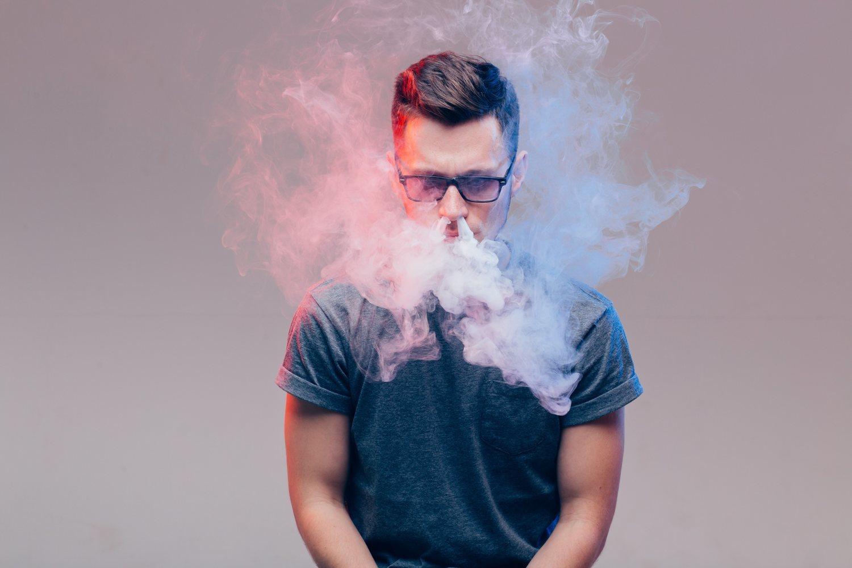 Para muchos, es vapear o caer de nuevo en las garras del tabaco. Así que más apoyo y menos desaprobación.